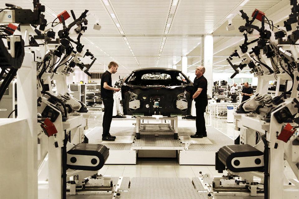 Chaîne de montage dans l'industrie automobile